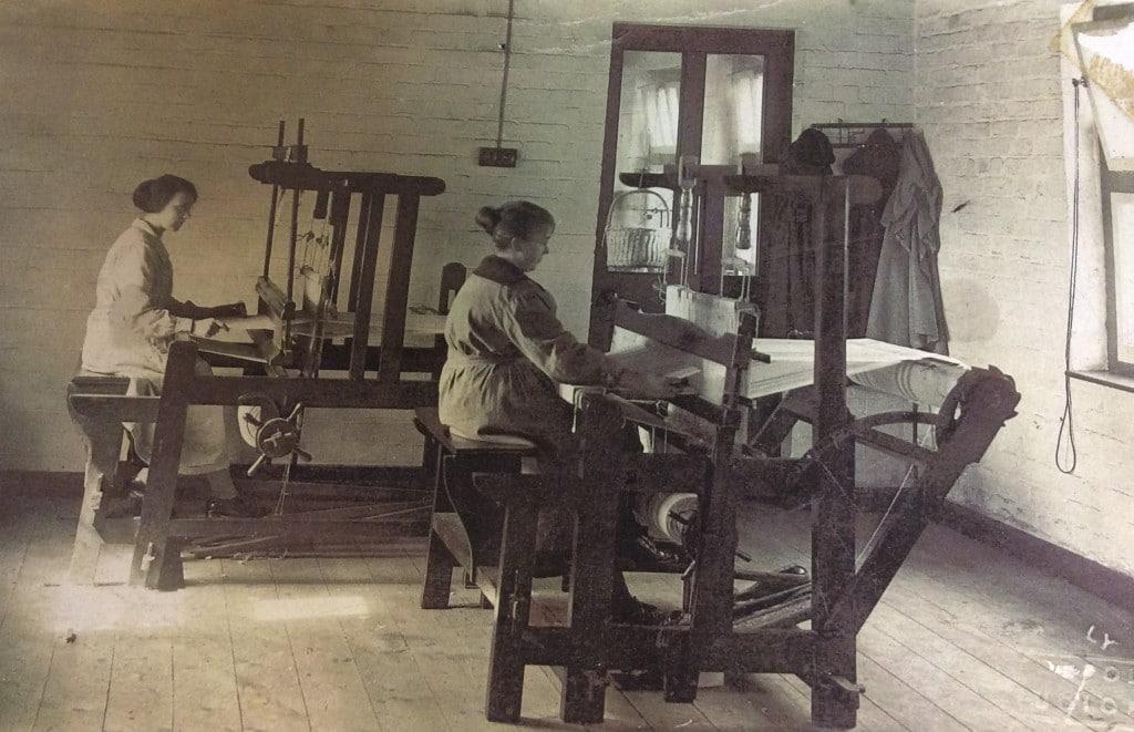 waeving machines